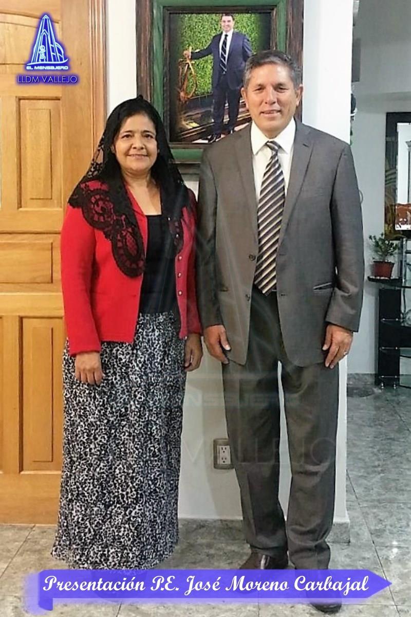 P.E. José Moreno Carbajal y esposa